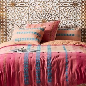 Anthropologie Woven Pink Cristobel Quilt